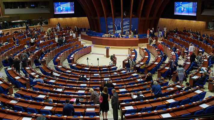 Совет Европы меняет сторону:…