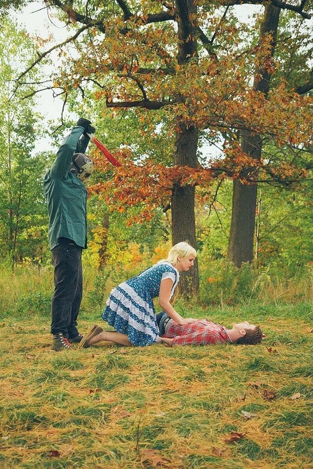 Страшная и забавная предсвадебная фотосессия в стиле фильмов ужасов курьезы,ужасы,фотосессия