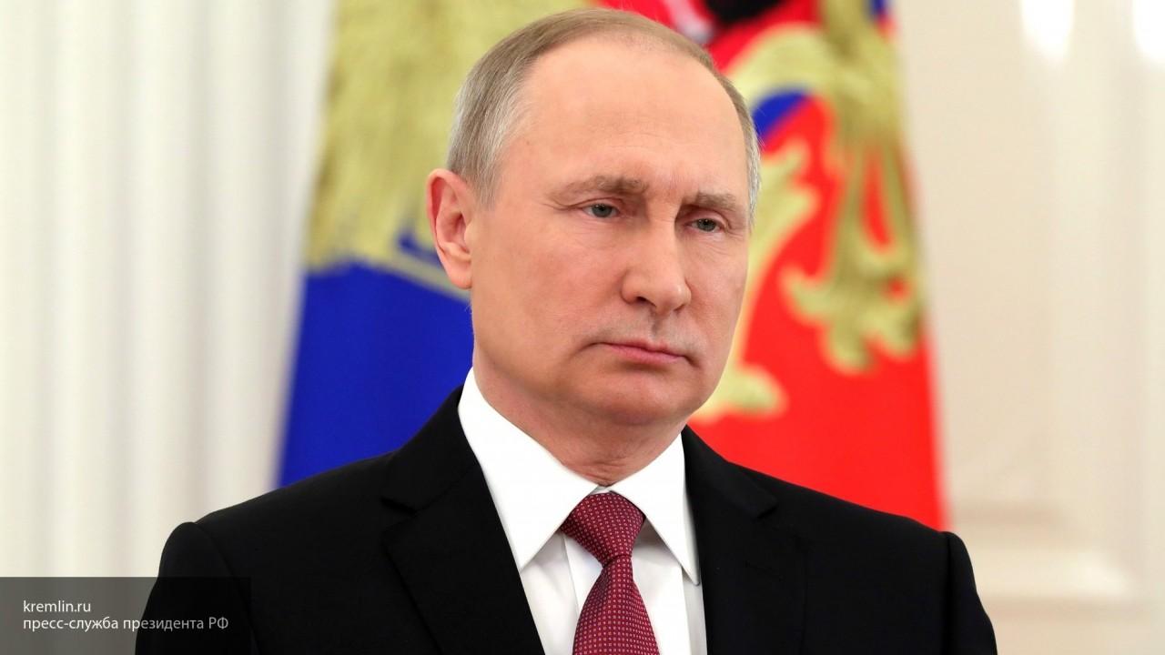 Песков объяснил, почему Владимир Путин уделяет повышенное внимание молодежи