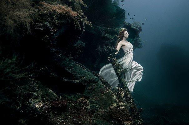 11. Съемка на 25-метровой глубине у затонувшего корабля за кадром, кадры, неожиданно, постановка, постановочные фото, секреты, фото, фотограф