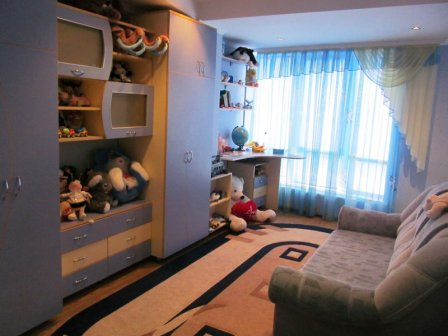 Оформление интерьера в комна…