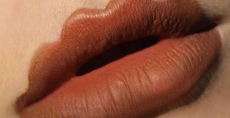 Философия губной помады