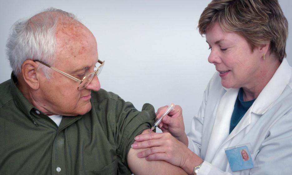 Многим делали прививки только в школе. Какие вакцины нужны взрослым болезни,вакцинация,здоровье,прививки