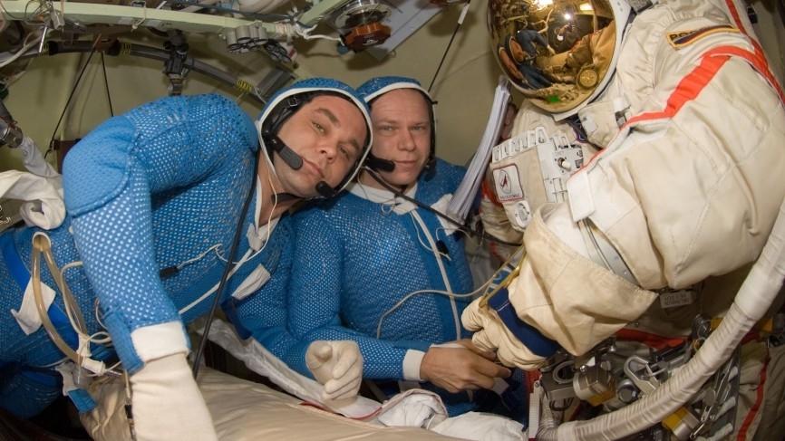 Ученые РАН обеспокоены здоровьем космонавтов из-за загруженного графика Общество