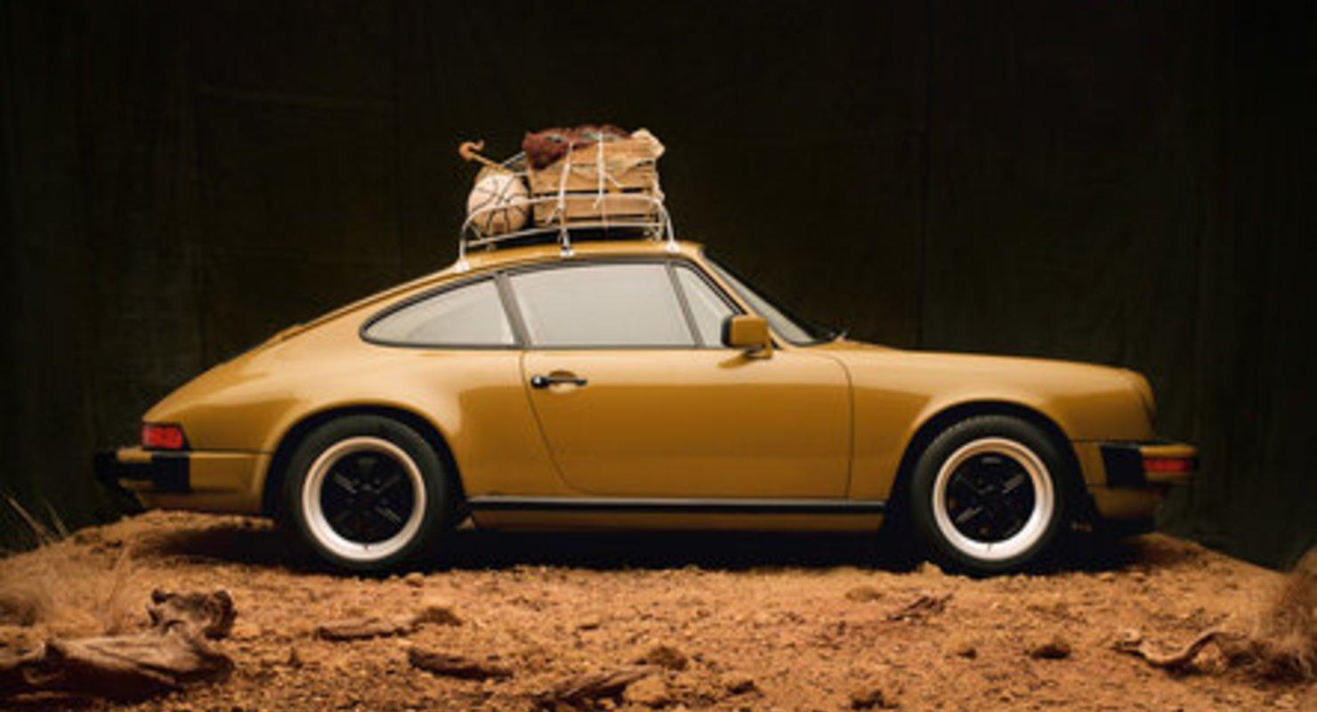 Porsche сотрудничает с модным лейблом Нью-Йорка для выпуска специального 911 SC Автомобили