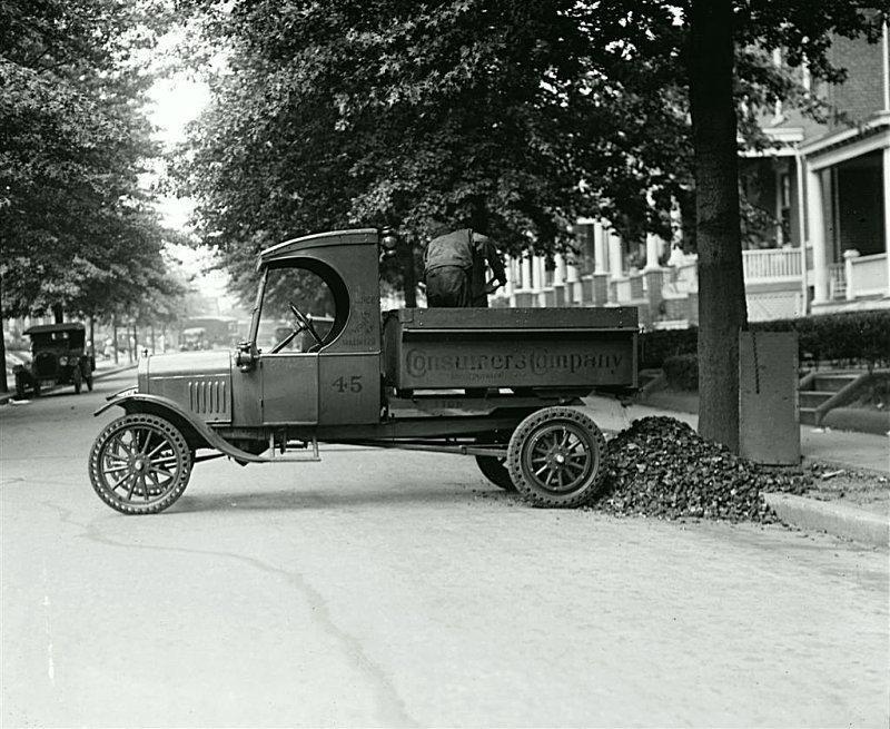 Грузовой Ford TТ. Обслуживание сети дорог 1925. США Весь Мир в объективе, ретро, старые фото