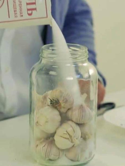 Сохранить свежесть чеснока.   Фото: Вкусные вкусности.