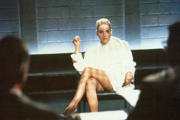 """Шэрон Стоун. Вышедший в 1992 году на экраны """"Основной инстинкт"""" произвел эффект разорвавшейся бомбы. А Шэрон на долгие годы сделал одной из самых желанных актрис."""