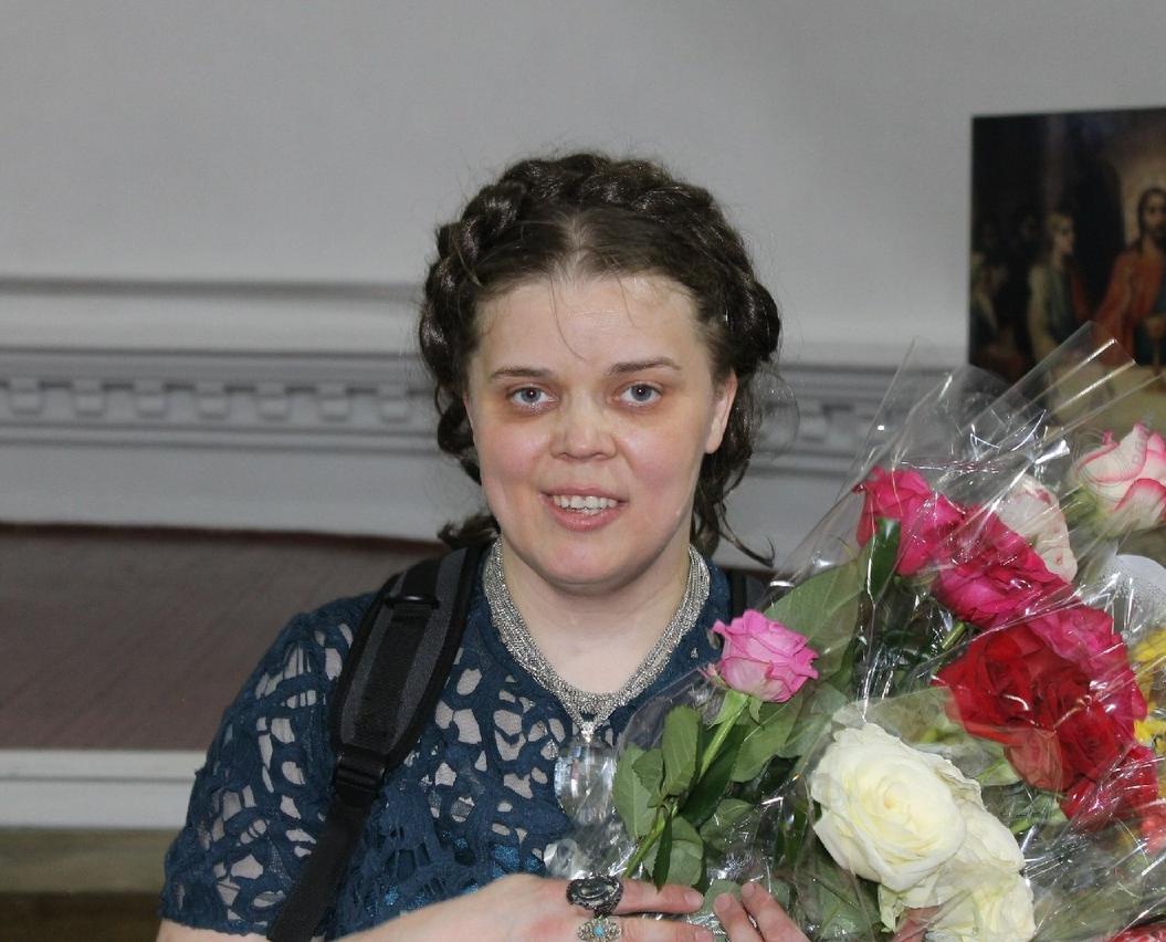 Женщина-инвалид Лиза Новикова, которая смогла пробиться на сцену и теперь у нее уже миллионы поклонников Искусство,история,личности,Россия