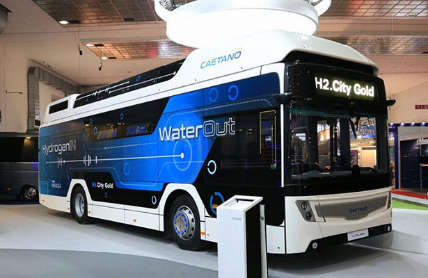 Путин предложил задуматься о переводе городского транспорта на водород