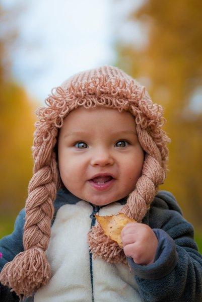 Очень крутая шапка для девочки с косами. Быстро и просто мастер класс
