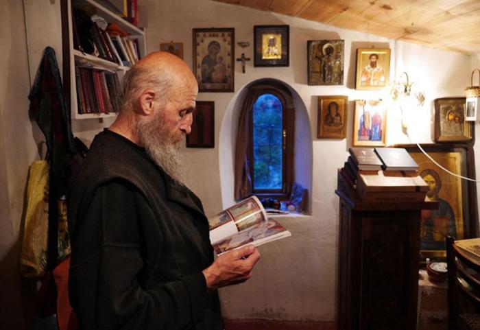 Внутри церкви Максима Исповедника.