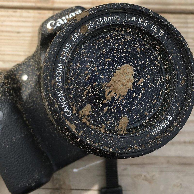Очищать от грязи сам объектив во много раз сложнее, чем фильтр боль, зеркалка, камера, фотография