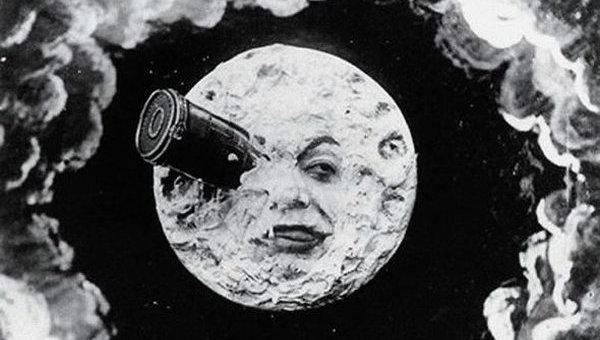 «Движущиеся картинки»: какими были первые кинофильмы