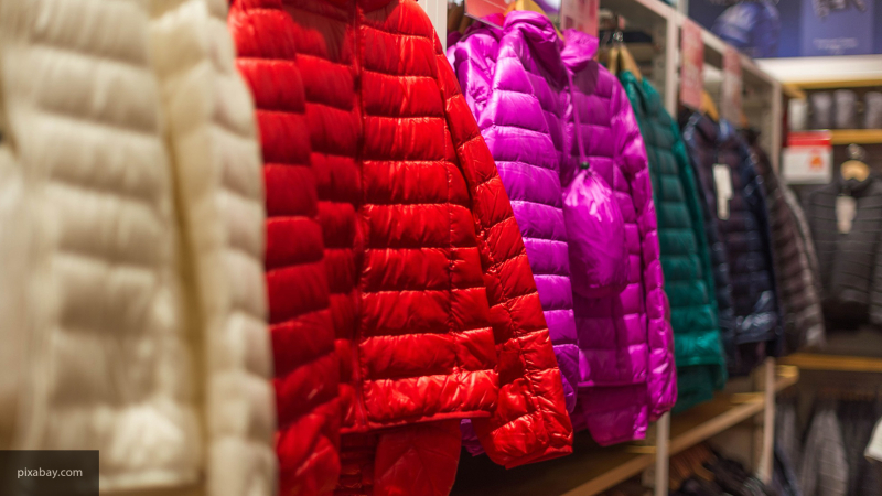 Теплая погода в Петербурге повлияла на продажи зимней одежды