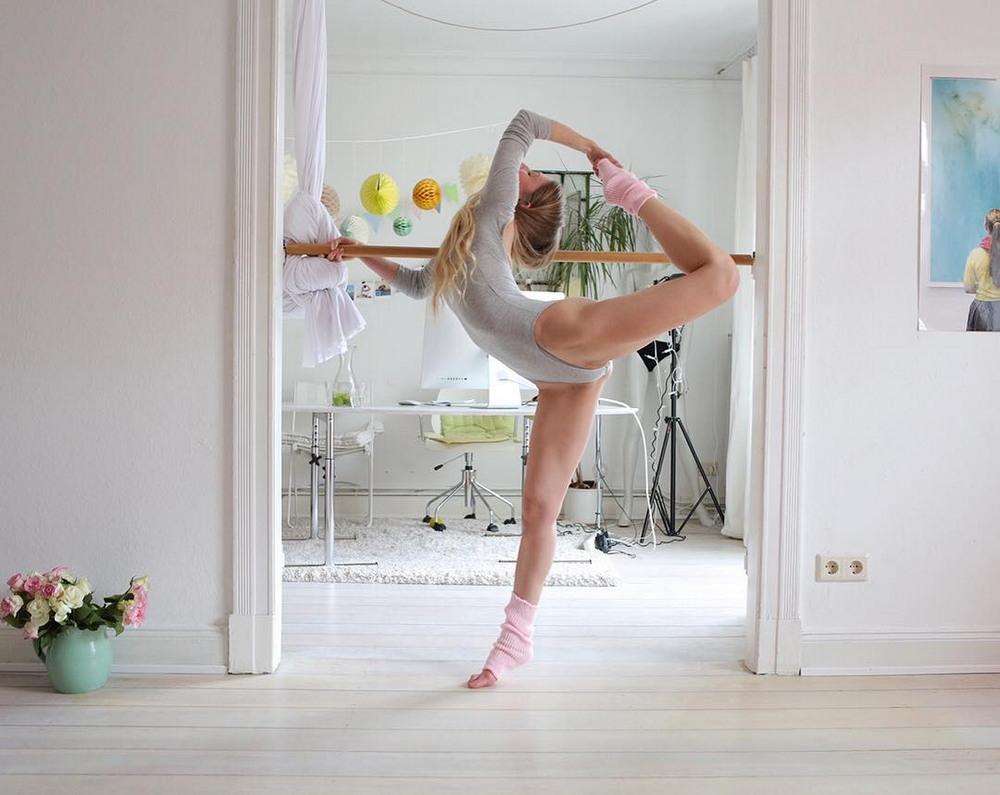 красивые гибкие девушки видео как одеться