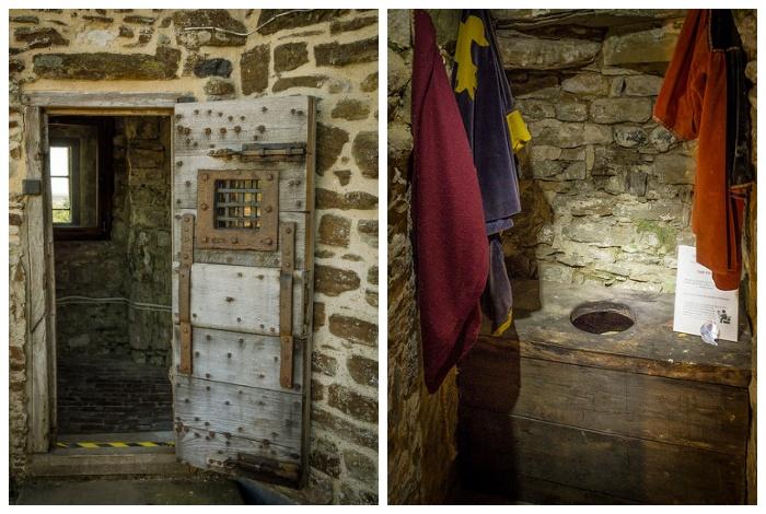Так выглядел туалет-гардеробная в средневековом замке рыцаря.