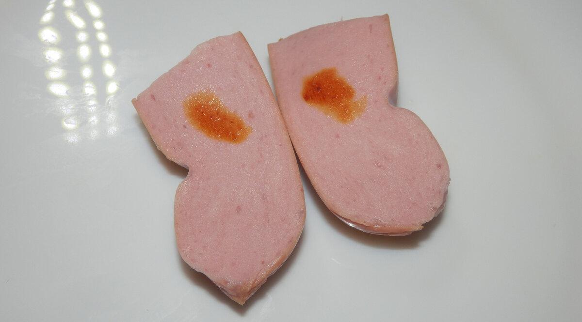 Капнула йодом на сосиски дорогие и дешевые (4 разных производителя). Сравниваю результаты