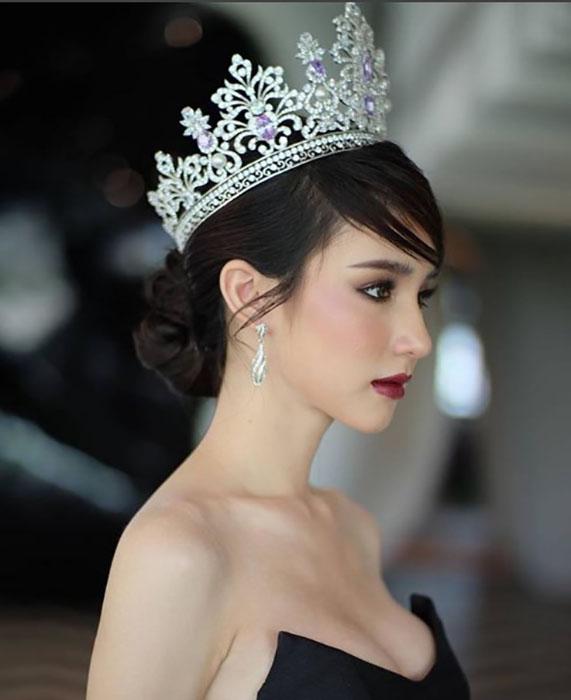 Королева красоты получила повестку в армию