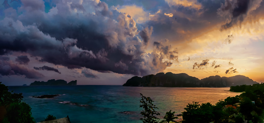 Phi Phi Skies by John Beckers on 500px.com