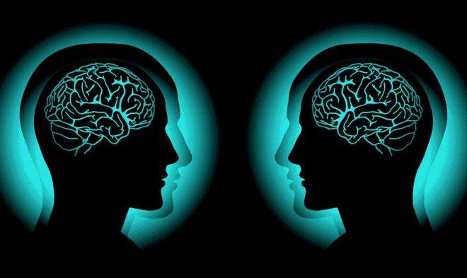 Новый мозговой имплант превратит мысли парализованных людей в речь