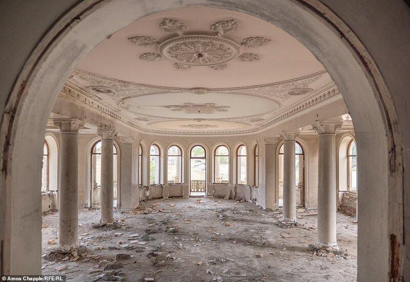 Цхалтубо - город заброшенных санаториев времен СССР архитектура,грузия,заброшенные здания