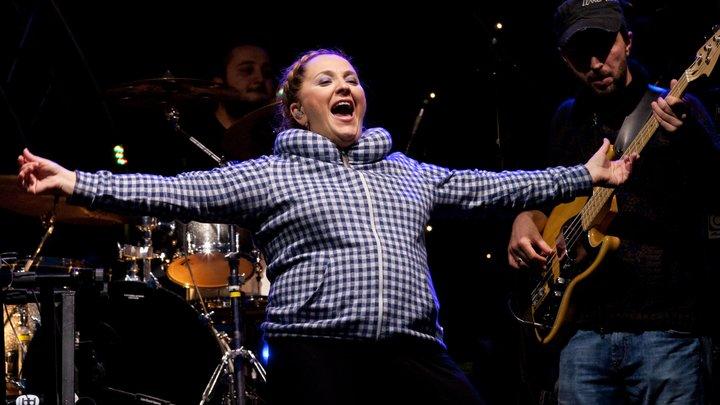 Пусть в тбилисских ресторанах теперь поет на бис: Катамадзе 11 лет мужественно выступала с концертами в стране-оккупанте