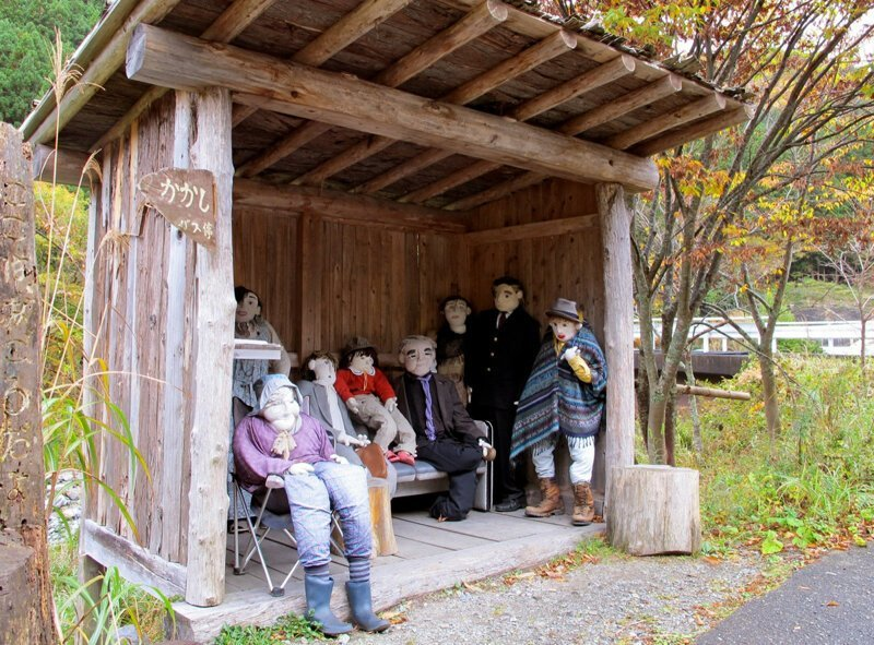 Дом кукол: в Японии создана деревня, призванная обратить внимание на сокращение населения япония