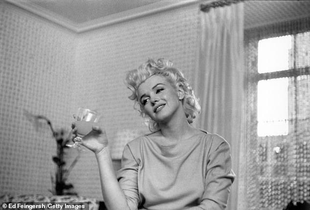 9 редких домашних фото Мэрилин Монро, которые годами хранил один фотограф