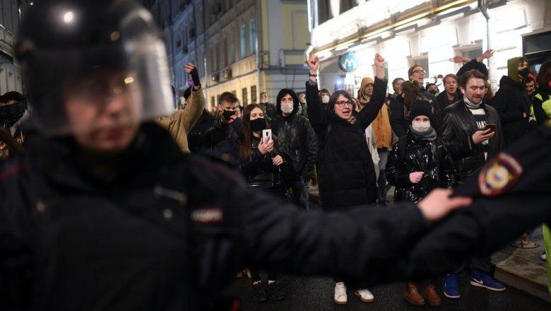 Около 3,5 тыс. человек приняли участие в несанкционированных акциях в 27 городах РФ Политика