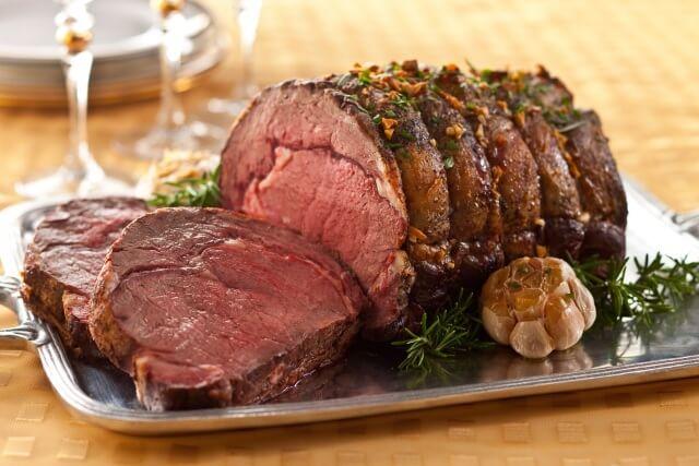 Мясо, запеченное по-бразильски: карнавал вкуса на вашем новогоднем столе