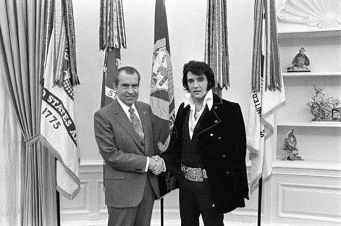 Элвис Пресли с президентом Никсоном.