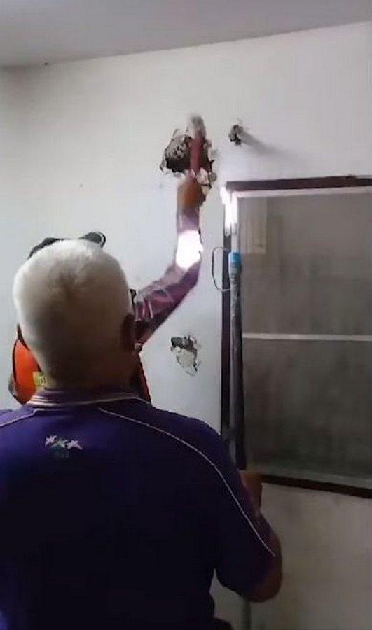 Непрошеный гость в стенах своего дома