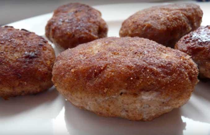 Делаем котлеты, по рецепту школьной  столовой СССР : секрет загадочного блюда
