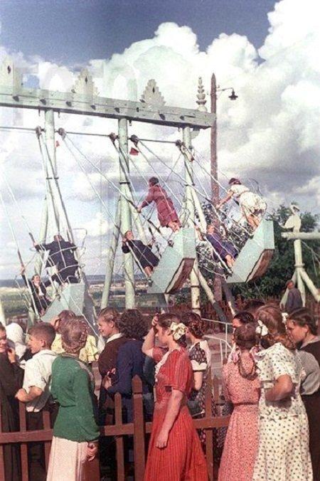 Качели-лодочки. Киев, 1950-е. СССР, детство, ностальгия, подборка
