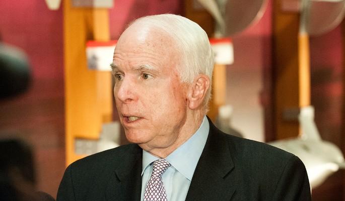 У больного раком Маккейна сл…