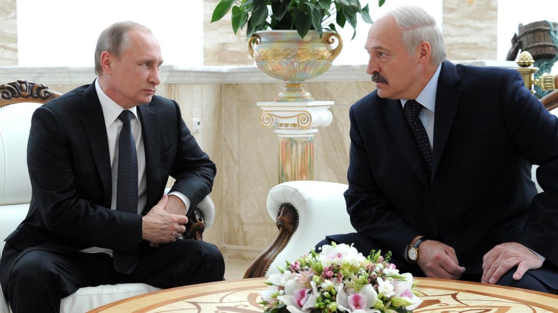 «Практически ничего не ели»: Песков рассказал о встрече Путина и Лукашенко Политика