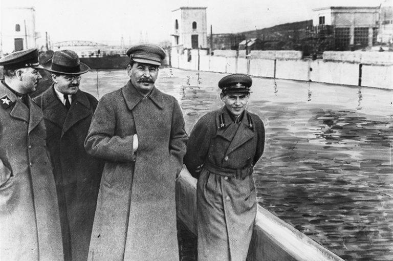 За что Сталин казнил «железного» наркома Ежова