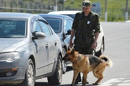 Задержанного ФСБ бойца ОМОН отправили на зону за килограмм наркотиков Силовые структуры
