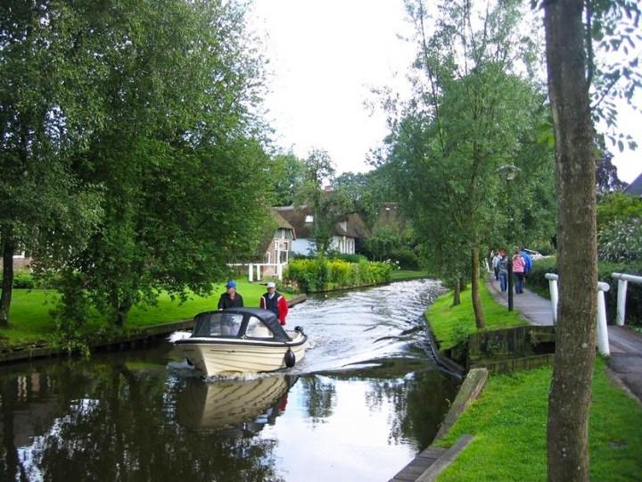 Голландская деревня Гитхорн — настоящий рай на Земле