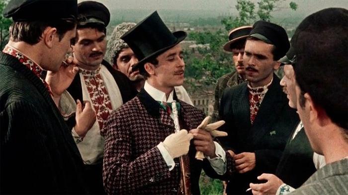 Худсовет разрешил снимать только после того, как режиссёр заверил их в том, что в картине будет осмеян образ стиляги.