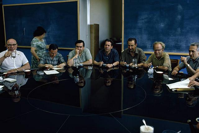 Лучшие ученые собирались для неформального мозгового штурма в Академгородке в Сибири.