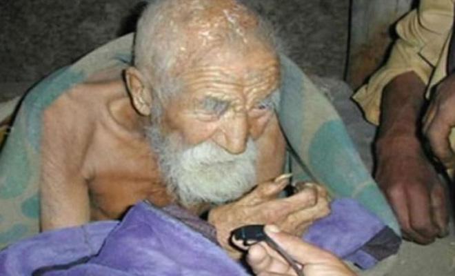 О нем забыла смерть: старец …