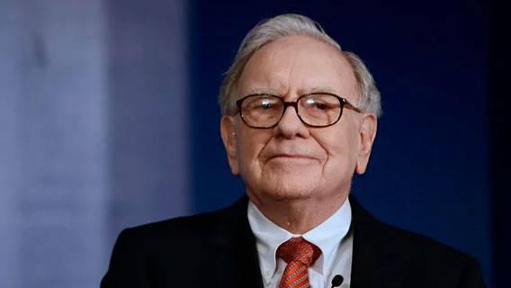 Собственный капитал Уоррена Баффета превысил 0 млрд на фоне рекордного роста акций Berkshire Экономика