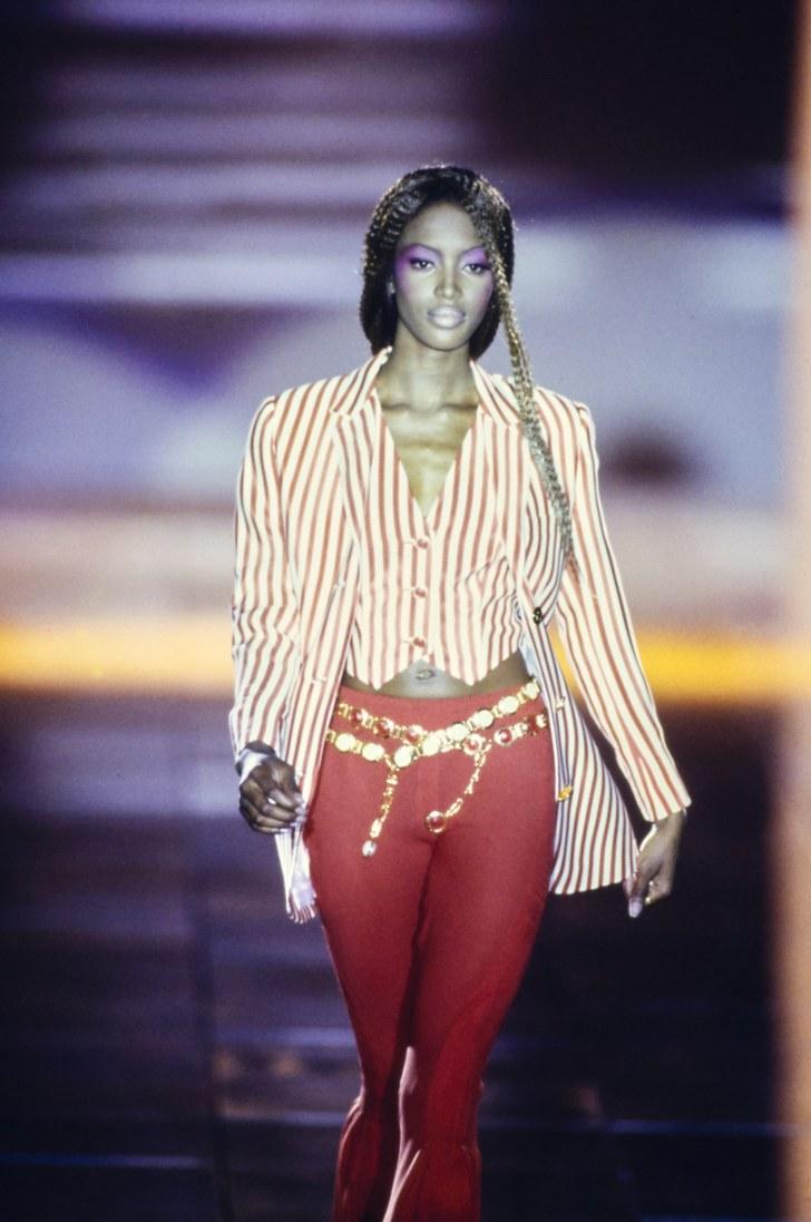 Взгляд в прошлое: 30 роскошных образов старых показов Versace versace,мода,мода и красота