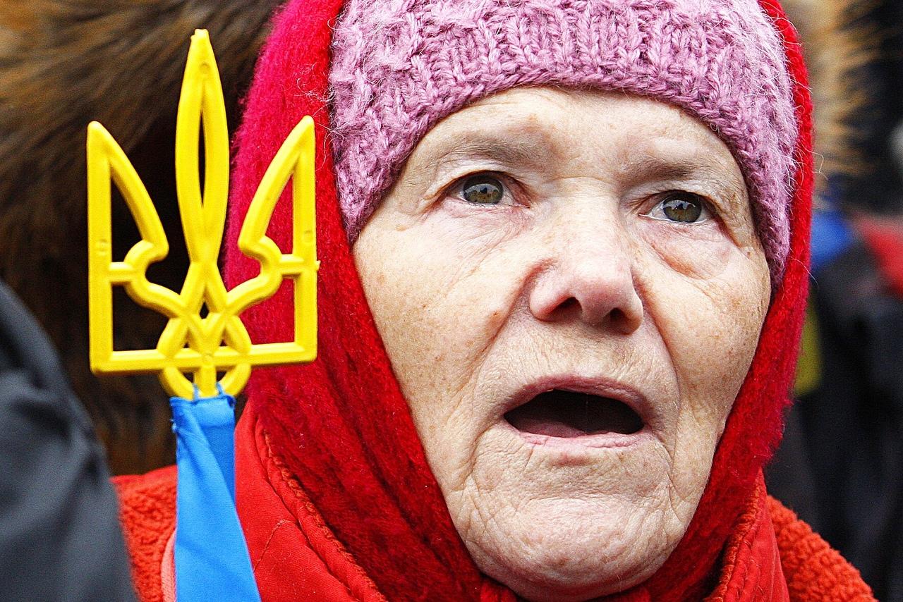Украинцы разозлились, узнав об отмене пенсионных выплат в стране Пенсия,Украина,Украинцы,Шмыгаль,Экономика,Украина