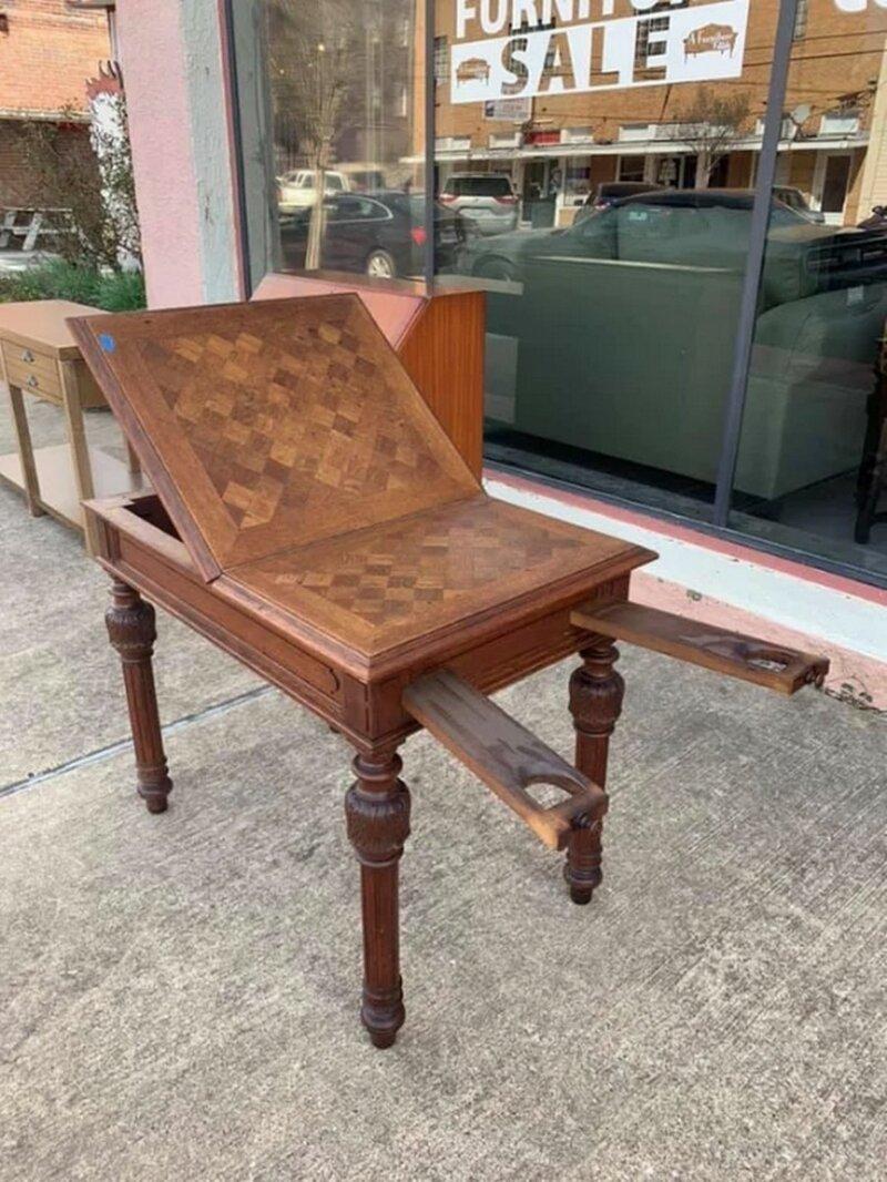 7. Нашел этот стол в лавке старьевщика на юге. Что за странная у него конструкция? в мире, вещи, вещь, знатоки, люди, познавательно, помощь, фото, что это такое