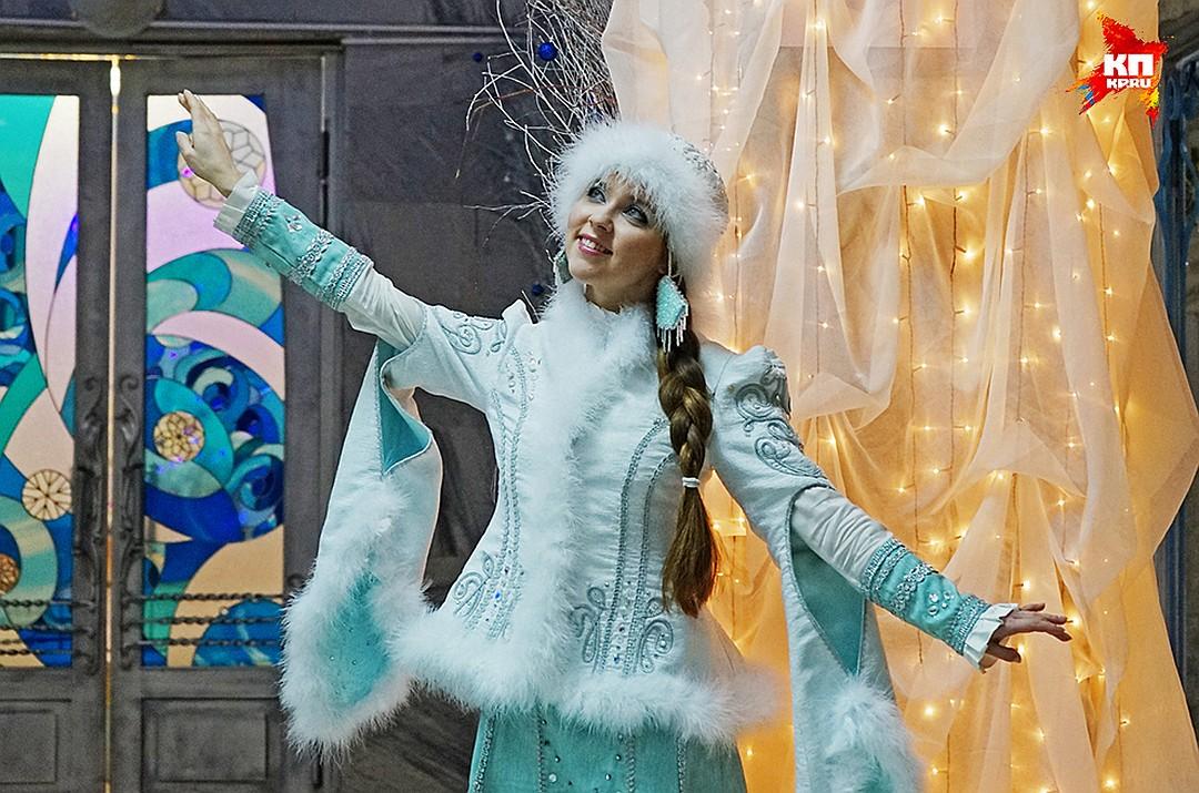 Все платья Снегурочки
