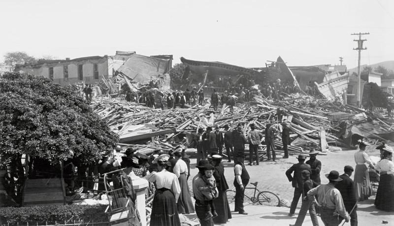 Санта-Роза, Калифорния, 1906 г. Жители оценивают разрушения после землетрясения джек лондон, история, фото
