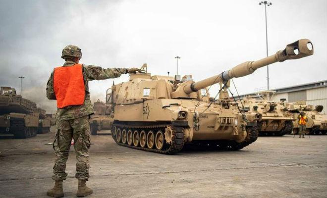 Танковая армада НАТО сходит на берег в порту Одессы